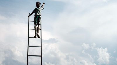 3 Leadership Goals To Set For Each Stage Of Your Career