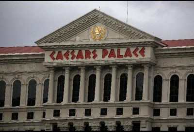 How The Managers At Caesars Palace Teach Employees To Have A Great Attitude