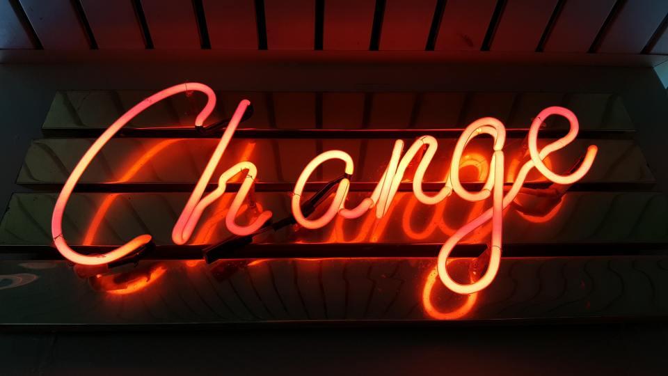 6 Ways Leaders Build Trust During Change